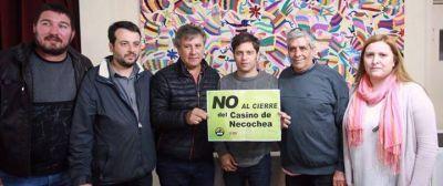 Kicillof visitó Necochea y apoyo a los empleados del Casino