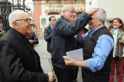 Diez puntos para entender el rito de la ordenación del padre Carlos Alberto Sánchez