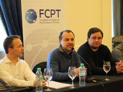 Gustavo Sylvestre presentó su último libro y analizó la actualidad política