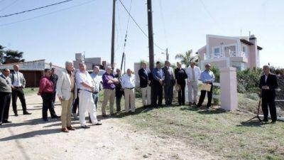 Avilés entregó el terreno donde se construirá el Centro Español