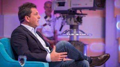 Un día con Sergio Massa: redes sociales, televisión y caravanas, la receta para quebrar la polarización