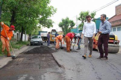 Lanzaron un plan de bacheo que alcanzará a más de 3.000 cuadras de calles de la ciudad