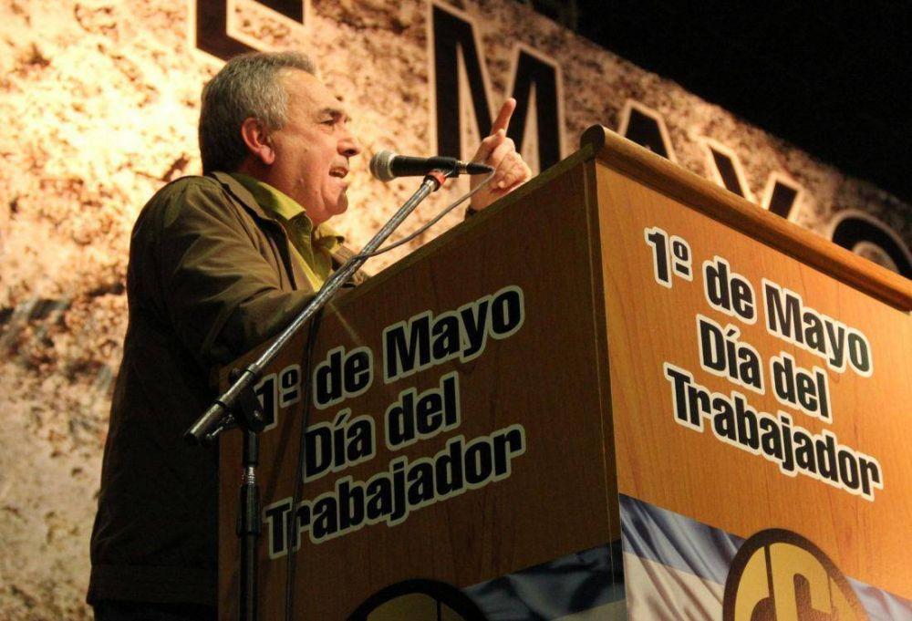 """Schmid llamó a votar """"en favor de los derechos de los trabajadores"""" y recuperar el peronismo"""
