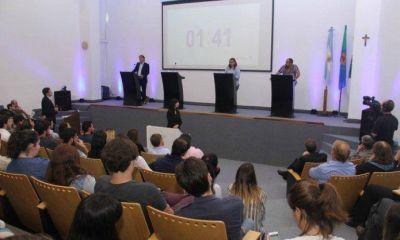 Candidatos a concejales debatieron en la Universidad Austral
