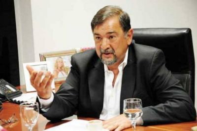 Isa apuesta a un rearmado de partidos políticos