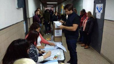 Cómo les fue en las PASO los candidatos que son funcionarios de Vidal