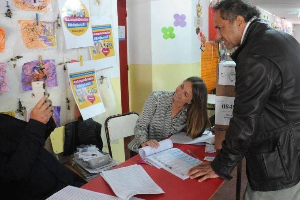 Daniel Scioli votó en Tigre y lo expresó a través de las redes sociales