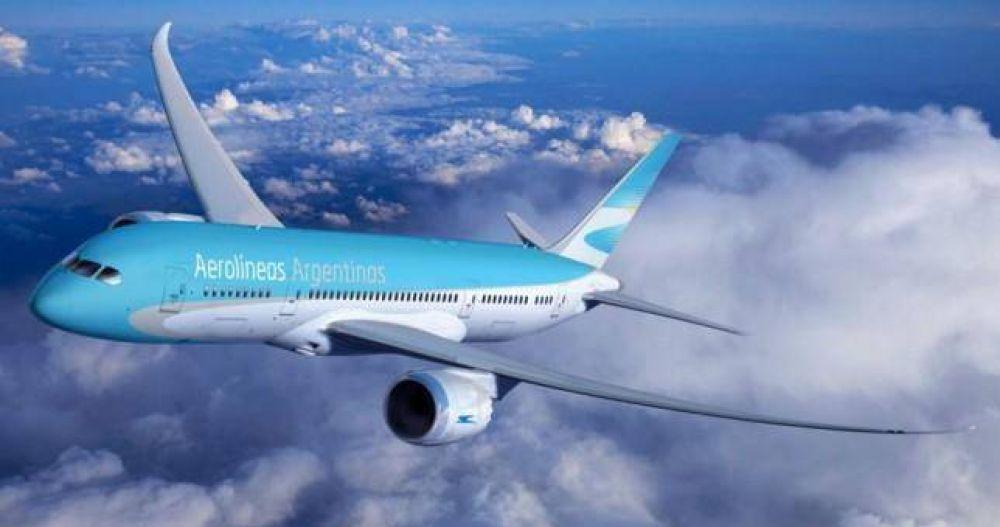 Sin acuerdo, los aeronáuticos siguen negociando salarios el jueves