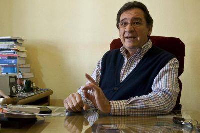 Castillo dijo que el FCS tiene que reconvertirse e incluir otros sectores