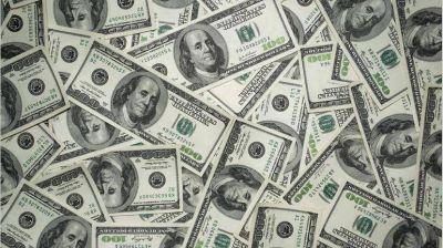 La victoria del oficialismo pinchó al dólar pero el efecto duró poco