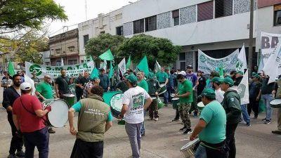 Protesta de trabajadores por el posible cierre de la empresa Cidegas