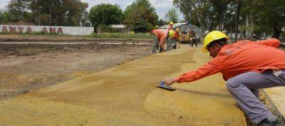 Comenzó la construcción de un anfiteatro en el parque lineal de Monte Chingolo