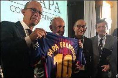 El último gesto del Papa y Omella con Catalunya