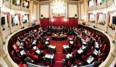 El oficialismo apura la discusión por la adhesión a a ley de ART