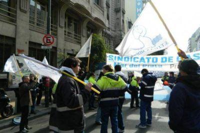 Trabajadores de la industria del gas reclaman a Camuzzi mejoras salariales en Mar del Plata