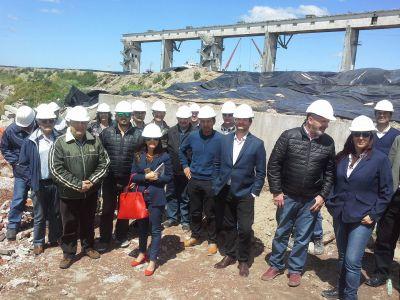 Arroyo del Barco: Concejales de la Comisión de Recursos Hídricos recorrieron la obra en la zona de desembocadura