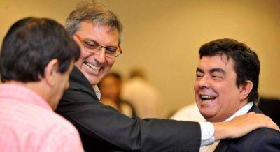 Espinoza quiso presionar a los legisladores del PJ pero los intendentes le vaciaron la reunión