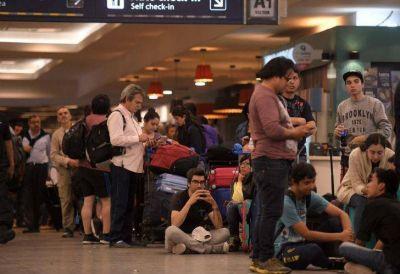 Salarios por las nubes y familiares: qué hay detrás de los sindicalistas de Aerolíneas Argentinas