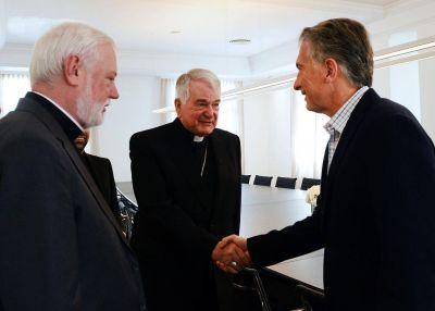 Macri recibió al canciller del Vaticano y tantean una visita del Papa a la Argentina