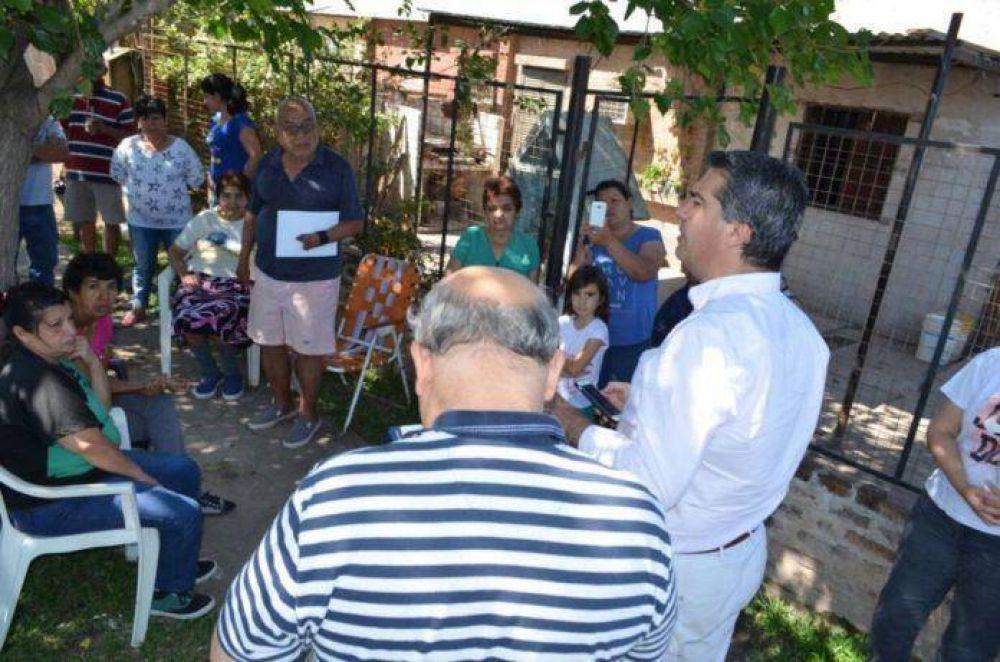 Villa Palermo II: Capitanich y vecinos delinearon acciones de trabajo