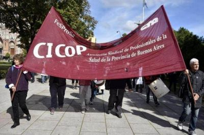 Médicos se oponen a la Cobertura Universal de Salud y preparan una multitudinaria movilización