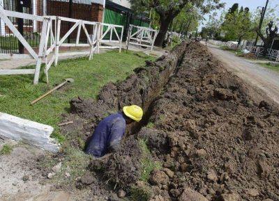 Esteban Echeverría: avanza red de agua potable en Monte Grande y Luis Guillón