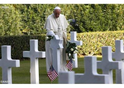 """El Papa: """"La guerra es la negación de todos los derechos y una dramática agresión al ambiente"""""""