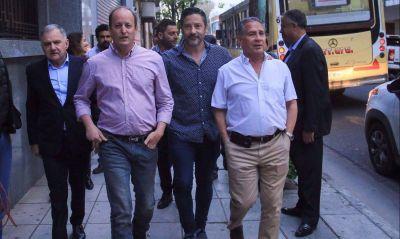 Con dos candidatos lanzados, el PJ bonaerense busca evitar una batalla interna