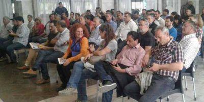 """Gremios platenses: realizan en Ensenada el Primer Encuentro Regional de Delegados para """"defender el trabajo"""""""