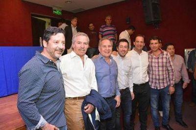 Junto a Solá, intendentes peronistas de la Primera mantuvieron un encuentro con dirigentes de la sección