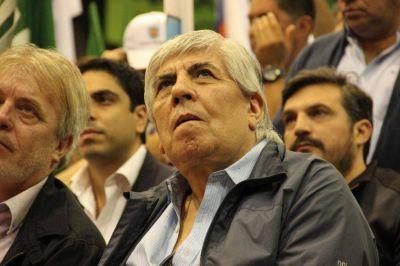 Moyano estuvo en el Caucho, se opuso a la reforma y pidió a los jóvenes que se involucren