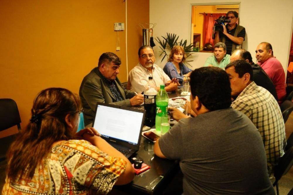 ATECA, SUTECA y ADUCA piden un adicional de $5 mil