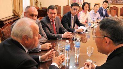 Inversores y funcionarios chinos estuvieron en Casa de Gobierno