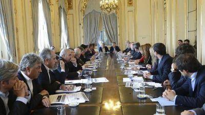 Todo listo para la firma de los primeros acuerdos entre Mauricio Macri y los gobernadores