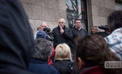 Guerra declarada: el municipio no le pagará más el sueldo a la cúpula del STM