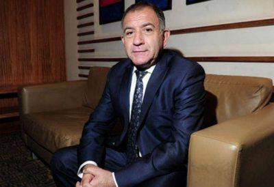 Luis Juez removido de la embajada en Quito por decirle