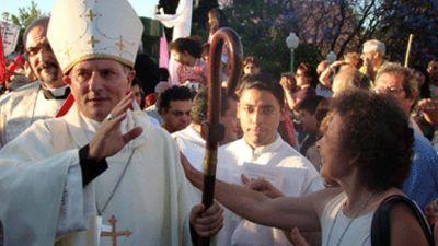 Un jesuita muy cercano al Papa, nuevo nexo de lglesia con políticos, empresarios y sindicalistas