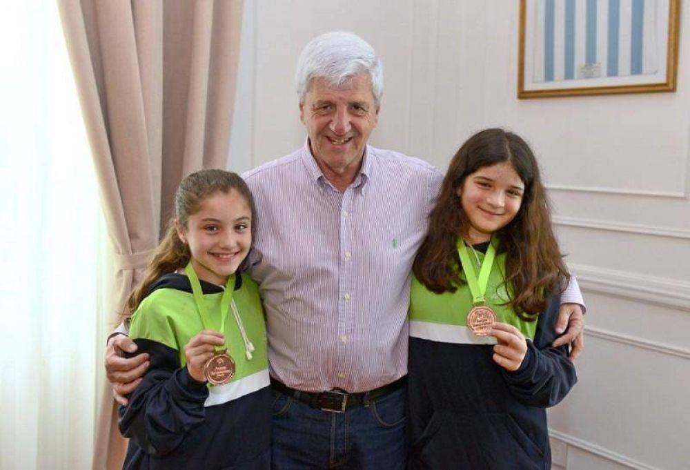 Andreotti recibió a medallistas de Nado Sincronizado de los Polideportivos Municipales