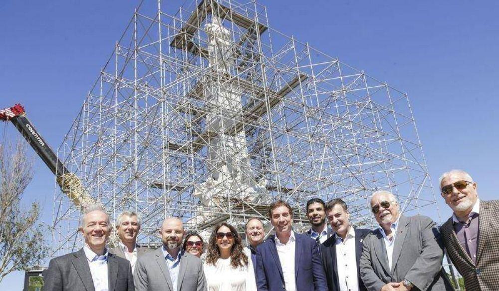 EL MONUMENTO A CRISTÓBAL COLÓN YA ESTÁ EMPLAZADO EN COSTANERA NORTE