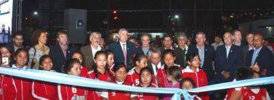INAUGURARON TINGLADO Y ENTREGARON SUBSIDIO AL CLUB ATLÉTICO GORRITI