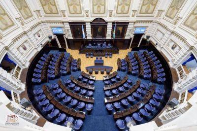 Intendentes del PJ y miembros de La Cámpora le quieren trabar el Presupuesto a Vidal