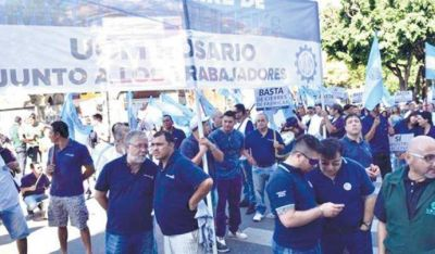 """Gremios de Rosario tildan de """"inadmisible"""" la reforma que impulsó el Gobierno"""