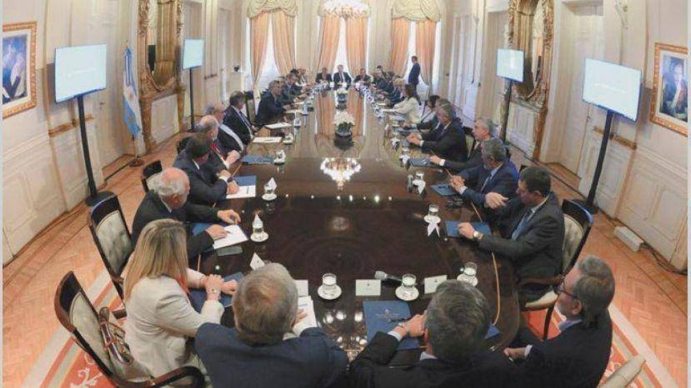 Presión extrema de Nación a provincias, que resisten rendirse para ayudar a Vidal