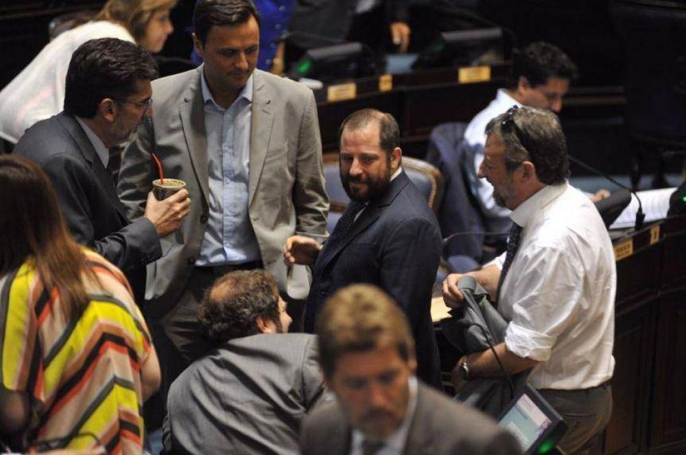 La Ley de Leyes dejó al desnudo la destrucción de dos bloques peronistas