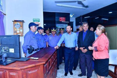El gobernador inauguro obras del Circulo de Suboficiales de la Policía