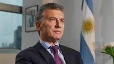 Macri llamará a los ministros para acordar los recortes en los cargos