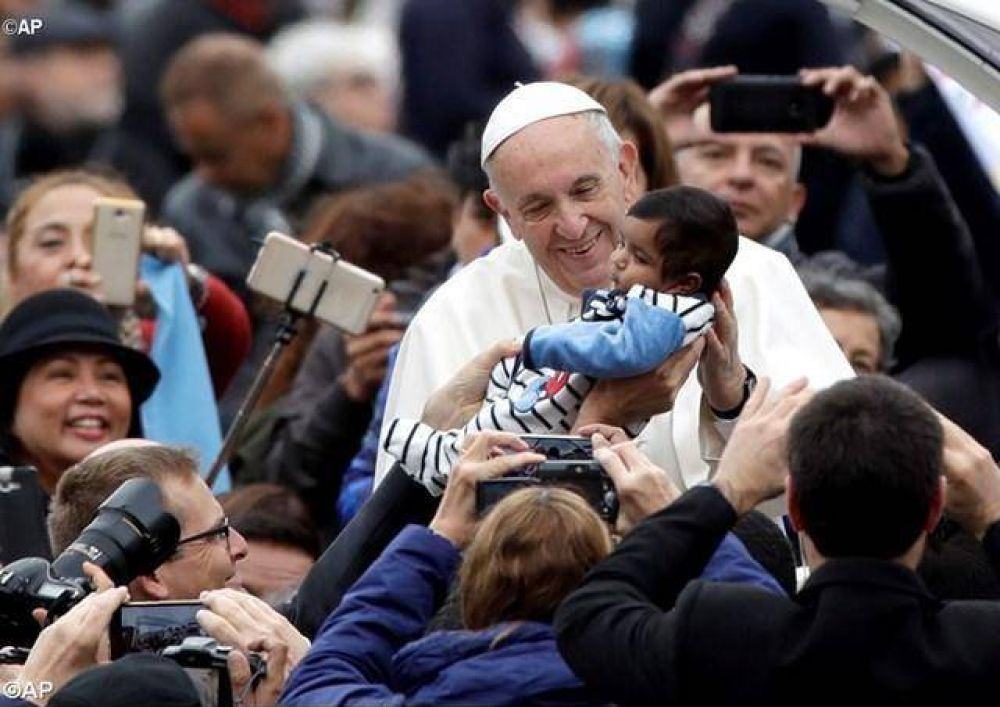 """Catequesis del Papa: """"La Eucaristía es la oración por excelencia"""""""