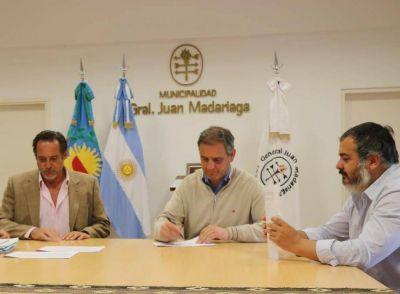Santoro firmó convenio con la empresa que construirá 70 viviendas sociales