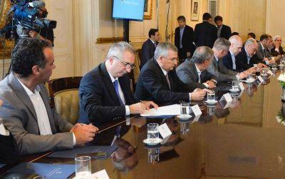 """Passalacqua adhirió al pacto fiscal de nación y exaltó la """"atmósfera de diálogo"""" en un """"acuerdo histórico"""""""