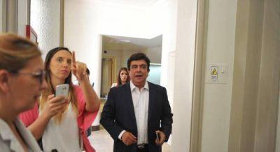 Ruptura en el PJ: Espinoza arma lista con Ishii y los intendentes van con Menéndez